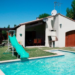 water slide and pool in Cazilhac